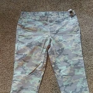 Brand New gap army khakis